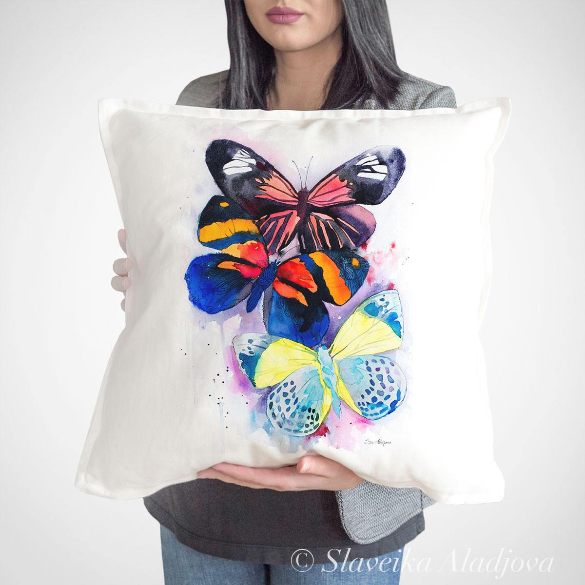 Декоративна възглавница пеперуди