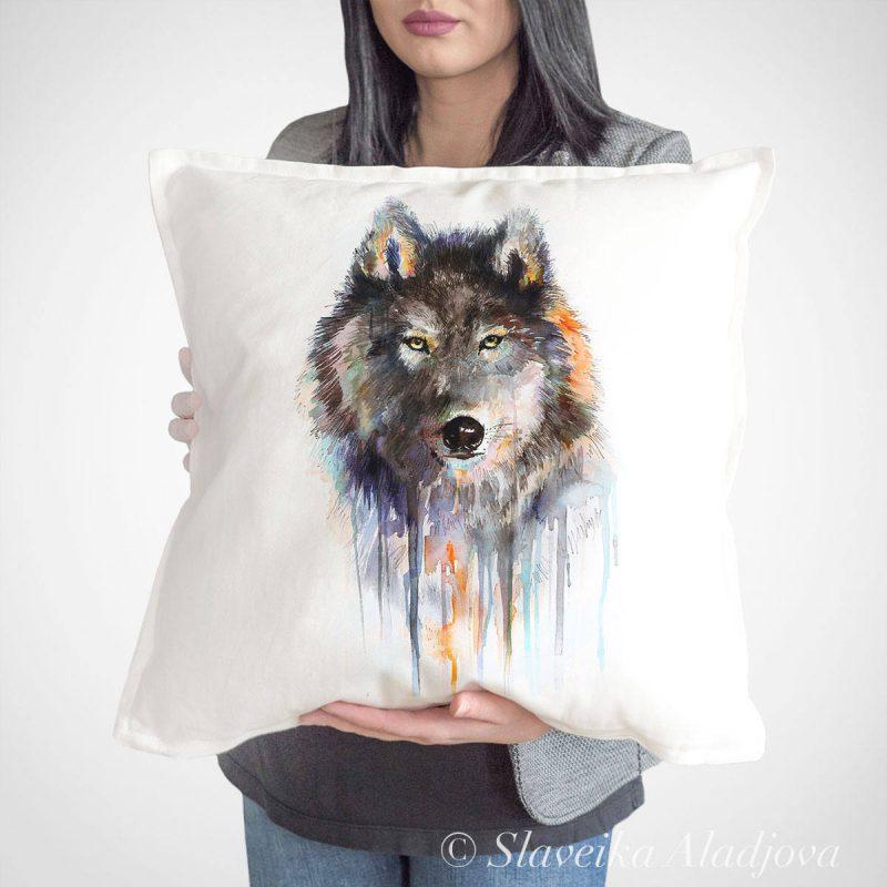 възглавница вълк кафяв