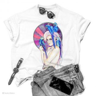 Тениска с жена с папагали
