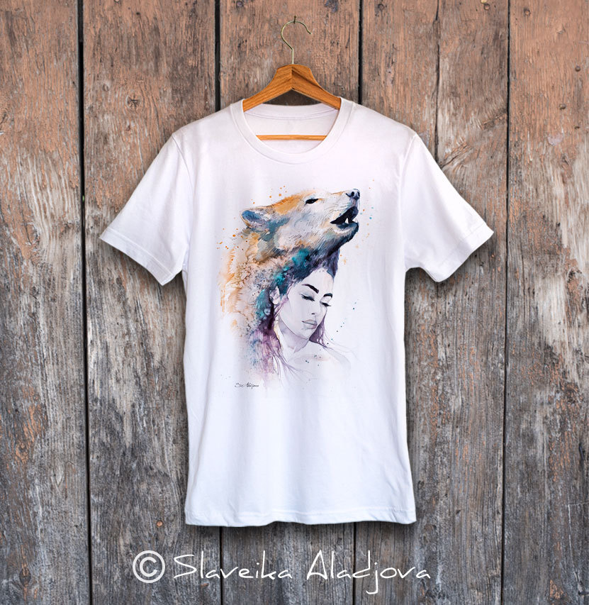 тениска жена с вълк