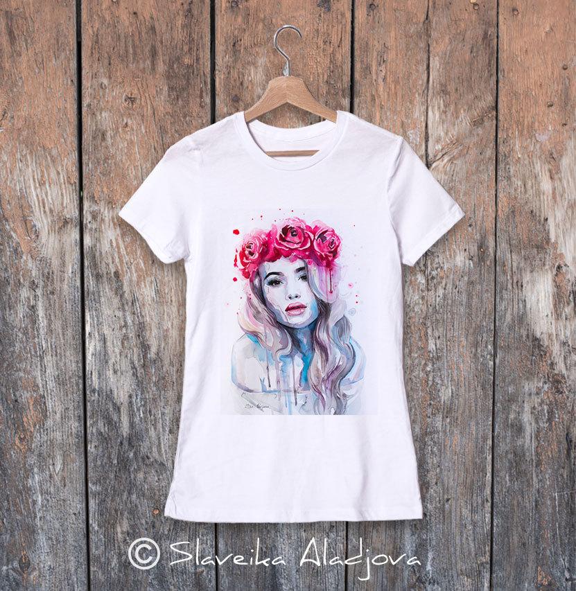 дамска тениска жена с корона от рози